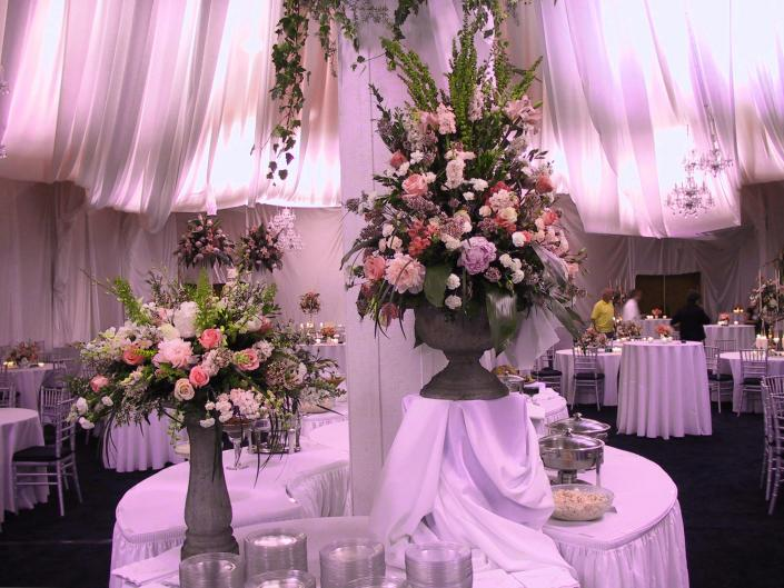 Let us create the fairytale wedding reception of your dreams. Is your style more modern-contemporary? We can do that too!